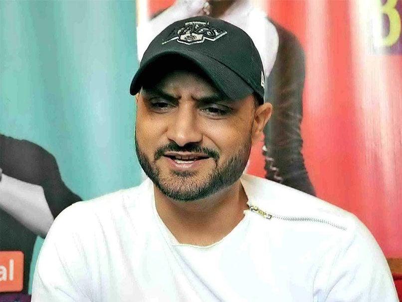 इंग्लैंड क्रिकेट बोर्ड द्वारा शुरू की जा रही द हंड्रेड टूर्नामेंट में हरभजन सिंह ने भी दिया अपना नाम 1