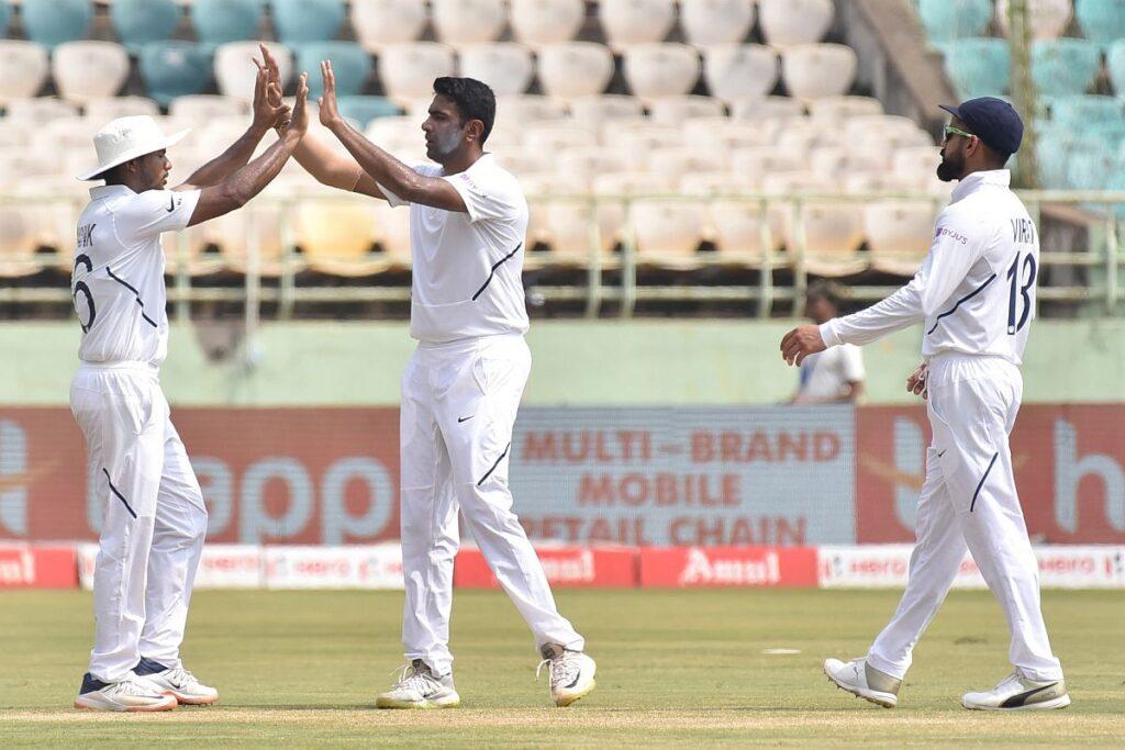 फाफ डू प्लेसिस का खुलासा, इस भारतीय गेंदबाज की गेंदबाजी से सीख रही उनकी टीम 2