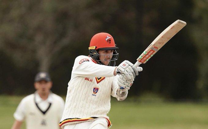 900 गेंद तक फील्डिंग करने के बाद इस ऑस्ट्रेलियाई बल्लेबाज को खेलने को मिला सिर्फ 1 गेंद, ऐसे व्यक्त की निराशा 11