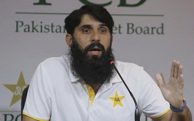 वीडियो : पाकिस्तान का यह 16 वर्षीय युवा तेज गेंदबाज आउट करने के बाद बल्लेबाज को करता है नमस्ते 2