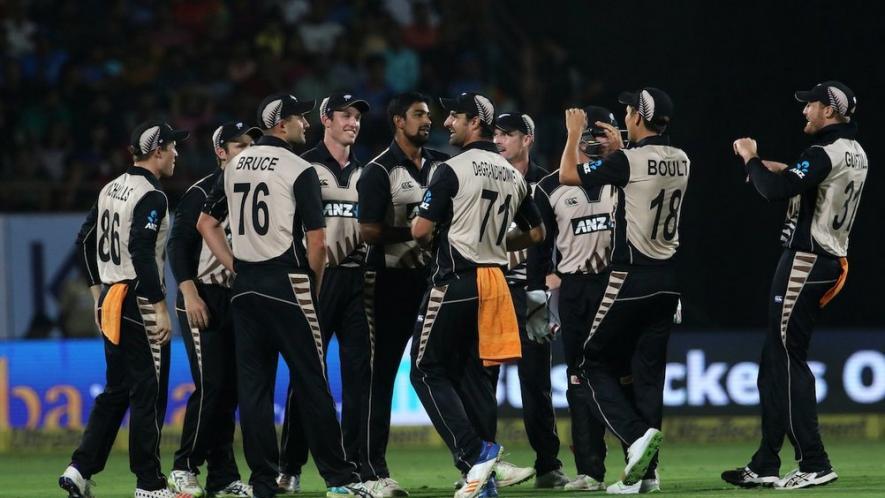 इंग्लैंड और न्यूज़ीलैंड के टी-20 मैच में अम्पायरिंग करने उतरा पोर्न स्टार 2
