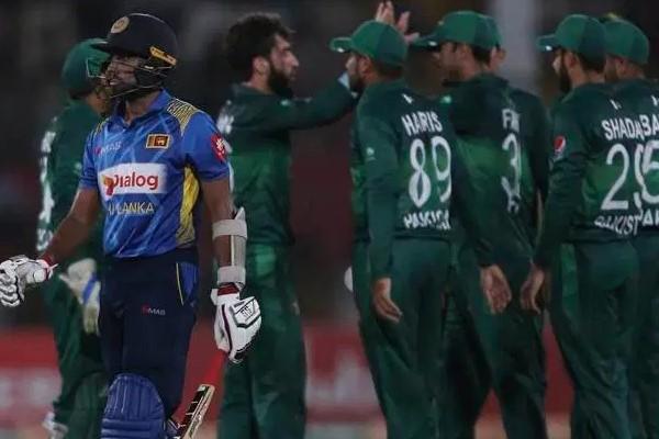पाकिस्तान क्रिकेट बोर्ड के अध्यक्ष एहसान मणि ने आईसीसी को भारत का पक्षपात करने पर सुनाई खरीखोटी 11