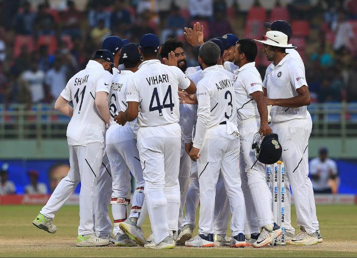 6 भारतीय क्रिकेटर जिन्होंने करीब एक साल से भी ज्यादा समय तक टीम से दूर रहने के बाद लिया संन्यास 1