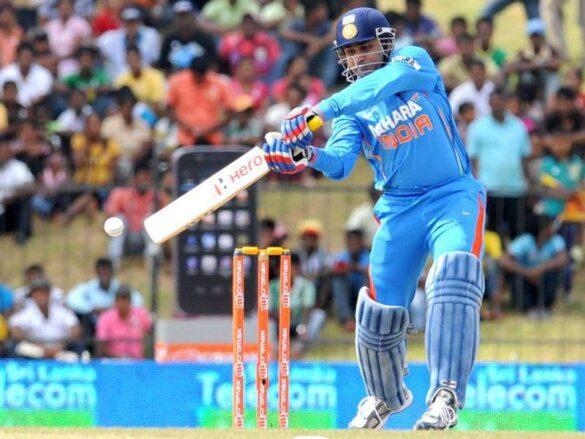 पहले ओवर में इन बल्लेबाजों ने लगाए हैं सबसे ज्यादा छक्के, टॉप पर भारत का कब्जा 1
