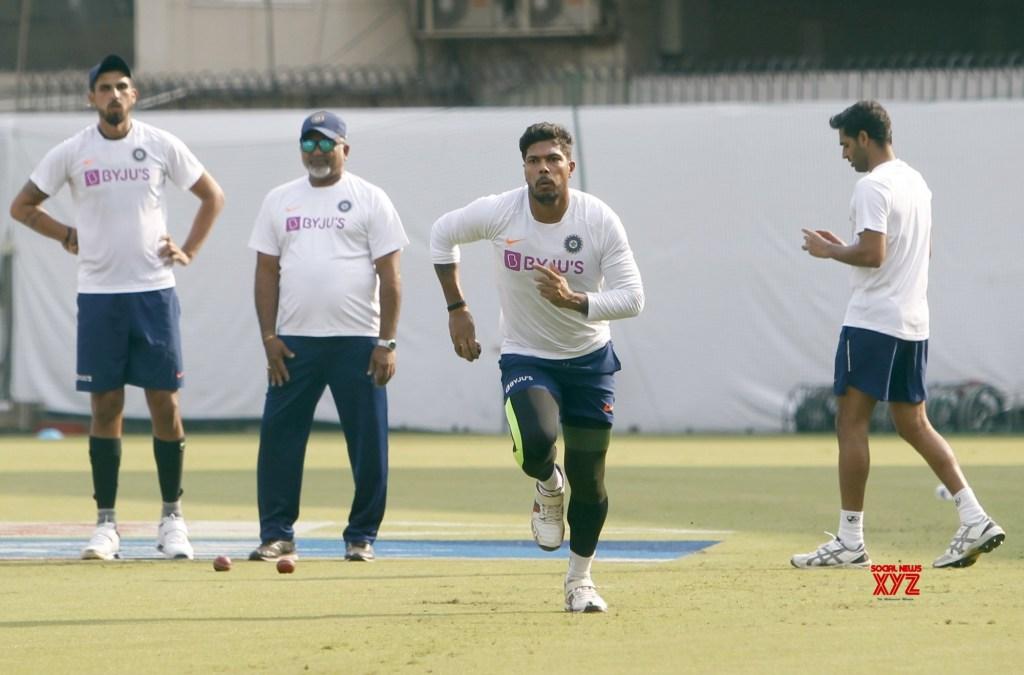 PHOTOS : भारतीय टीम ने प्रैक्टिस में बहाया पसीना, रवि शास्त्री ने इन खिलाड़ियों पर रखी कड़ी नजर 1