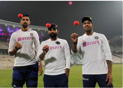 मोहम्मद शमी ने टीम इंडिया की तेज गेंदबाजी तिकड़ी को शिकारी कहकर किया फनी पोस्ट 11
