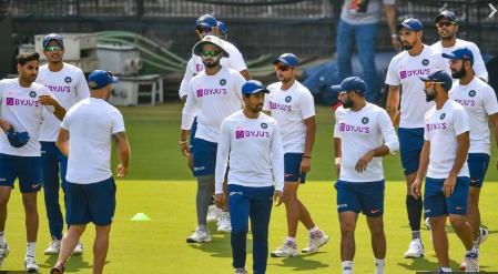 PHOTOS : भारतीय टीम ने प्रैक्टिस में बहाया पसीना, रवि शास्त्री ने इन खिलाड़ियों पर रखी कड़ी नजर 6