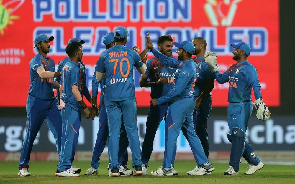 INDvsBAN: रोहित शर्मा राजकोट टी 20 मैच में मैदान पर उतरते ही लगाएंगे अनोखा शतक, भारत में किसी खिलाड़ी ने नहीं किया ये कारनामा 2