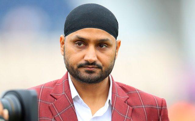 हरभजन सिंह ने इस खिलाड़ी को बताया भारत का एबी डिविलियर्स, जमकर की बल्लेबाज की तारीफ 14