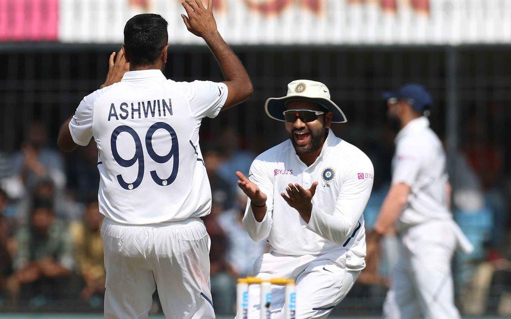 INDvBAN, पहला टेस्ट: अंतिम 2 गेंदों पर मोहम्मद शमी ने 2 बल्लेबाजों को भेजा पवेलियन, 140 पर 7 बांग्लादेश 3