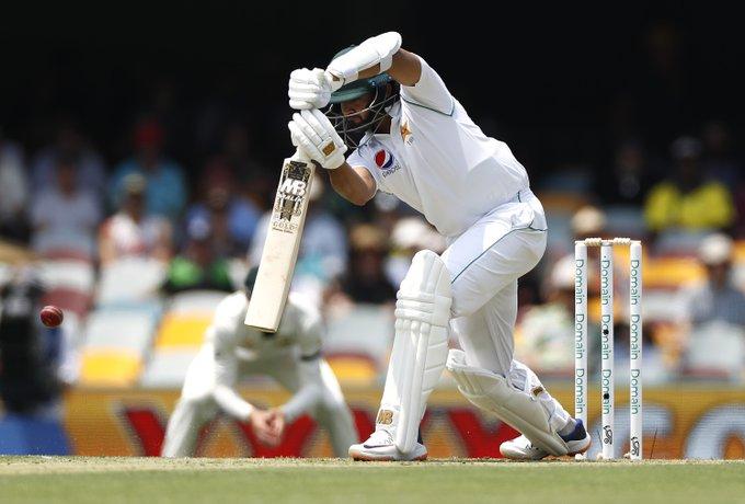 AUSvsPAK : मिचेल स्टार्क की शानदार गेंदबाजी के आगे पहले दिन पाकिस्तान की टीम 240 रन के स्कोर पर हुई आउट 2