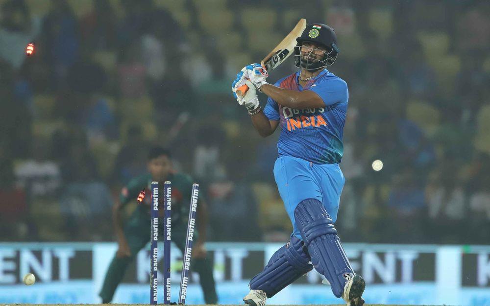 प्रवीण आमरे ने शॉट टाइमिंग के मामले में 22 साल के इस खिलाड़ी को बताया विराट और रोहित के समान 2
