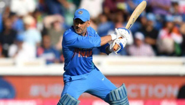 महेंद्र सिंह धोनी का सुपरफैन लेना चाहता है उनके 183 ऑटोग्राफ, नंबर 183 की ये ख़ास वजह 1
