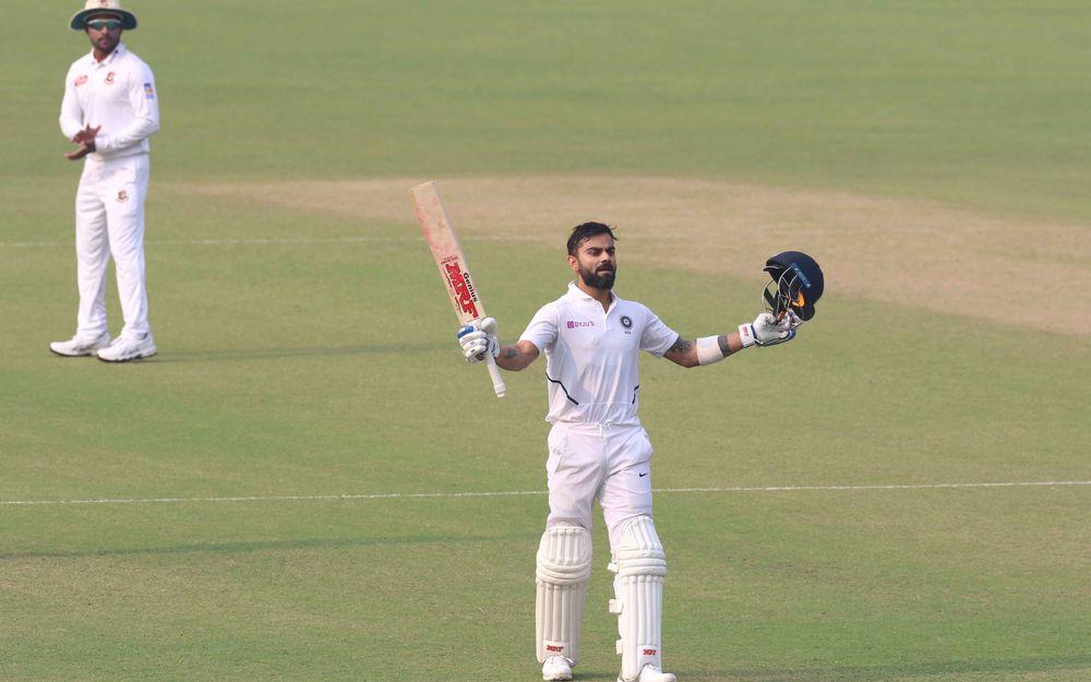 विराट कोहली का बेहतरीन चौका देख,   खुद गेंदबाज ने बजाई ताली 2