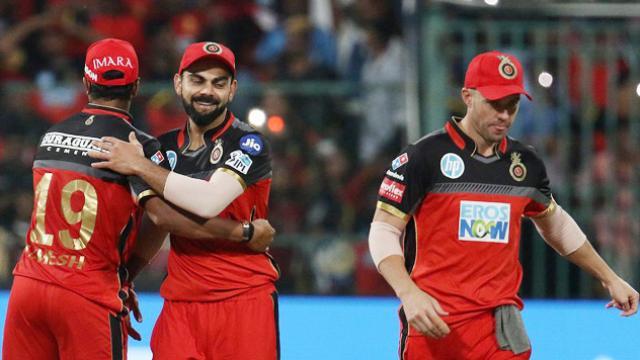 SRHvRCB: इस युवा गेंदबाज ने लिया विराट कोहली का विकेट, 14 रन बनाकर हुए आउट, देखें वीडियो 5