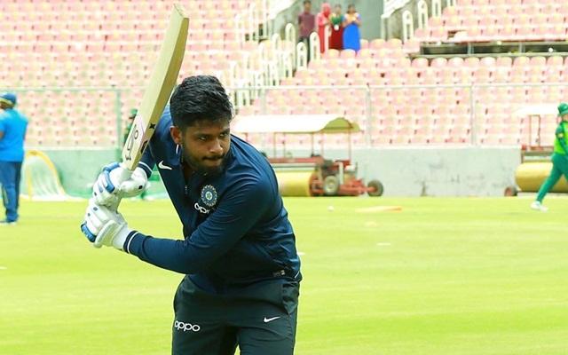 संजू सैमसन को फैन्स ने दी सलाह कहा, अनुष्का शर्मा की फोटो करें लाइक फिर मिलेगी टीम में जगह 1