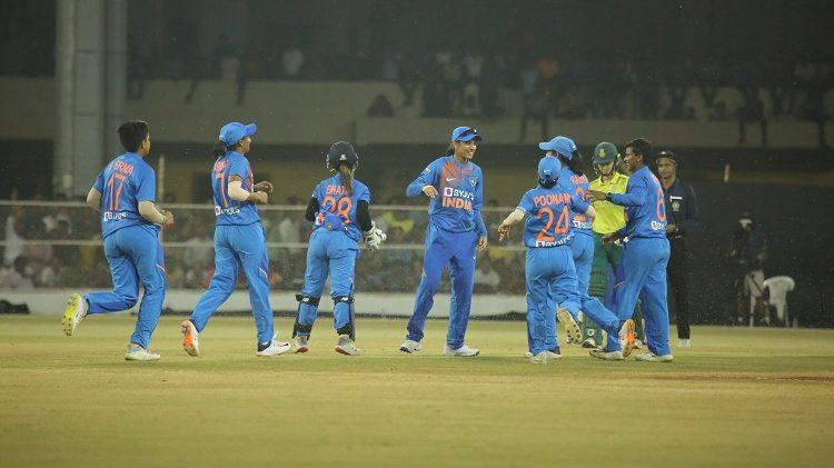 महिला टी20 विश्व कप के लिए भारतीय टीम हुई घोषित, हरमनप्रीत कौर के हाथो में होगी कमान 4