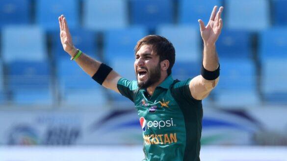 पाकिस्तान के तेज गेंदबाज उस्मान शिनवारी आरसीबी के इन दो दिग्गजों को करना चाहते हैं आउट 1