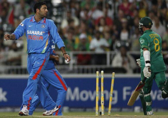 भारत के टॉप-5 गेंदबाज जिन्होंने एकदिवसीय क्रिकेट करियर में 1 ओवर में खर्च किये हैं सबसे ज्यादा रन 9