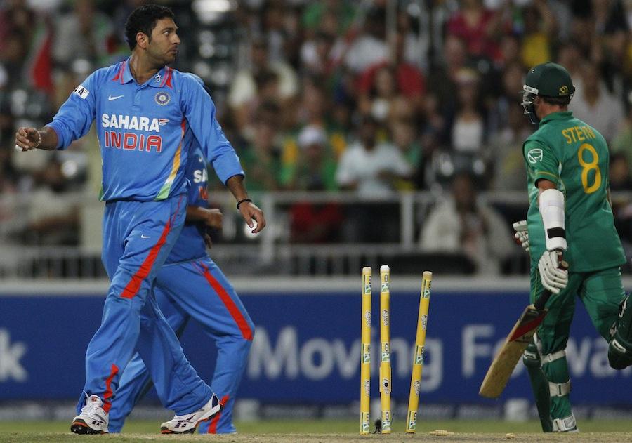 भारत के टॉप-5 गेंदबाज जिन्होंने एकदिवसीय क्रिकेट करियर में 1 ओवर में खर्च किये हैं सबसे ज्यादा रन 6