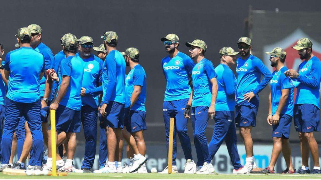 भारतीय क्रिकेट टीम के कोच रवि शास्त्री ने इस खास अंदाज में टीम को दी नए साल की शुभकामनाएं 4
