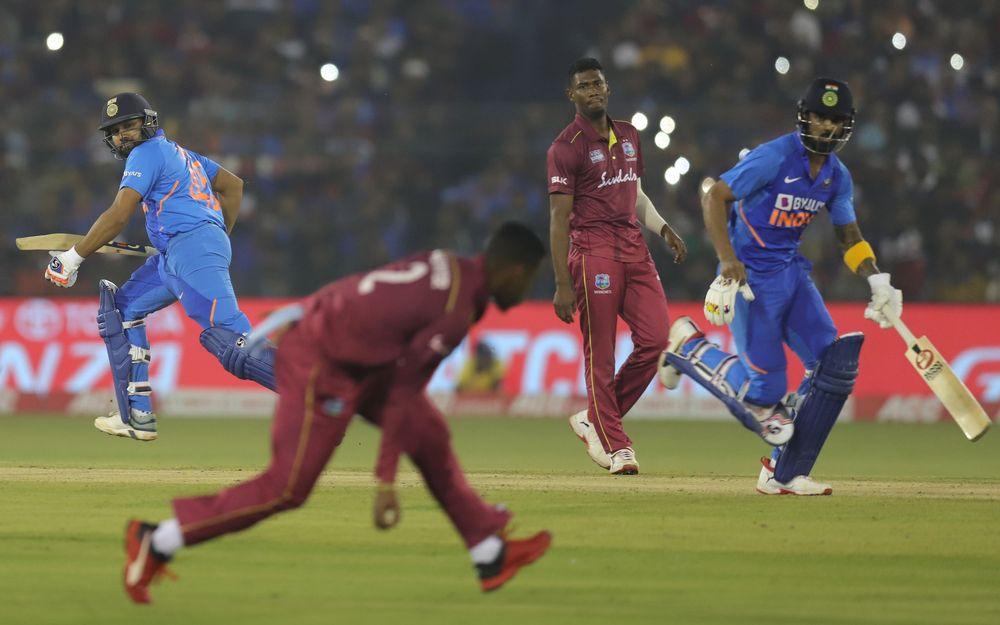 वेस्टइंडीज के खिलाफ तीसरे वनडे जीतने के बाद गांगुली से लेकर सचिन ने रवीन्द्र जडेजा और टीम इंडिया के लिए कही ये बात 2