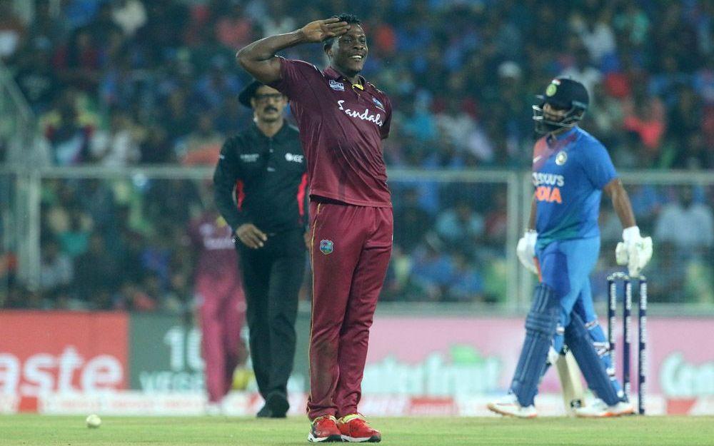INDvsWI : हार के बाद भारतीय खिलाड़ियों का उड़ा जमकर मजाक, सबसे ज्यादा इस खिलाड़ी का 2