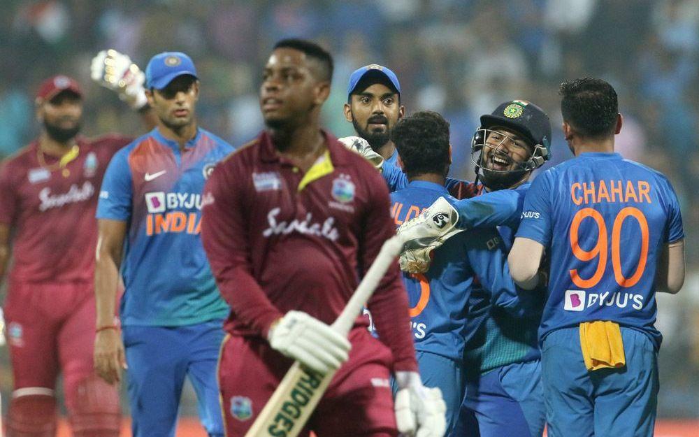 INDvsWI : जीत के बाद ट्विटर पर छाएं भारतीय खिलाड़ी, वेस्टइंडीज के इस दिग्गज की भी हुई तारीफ