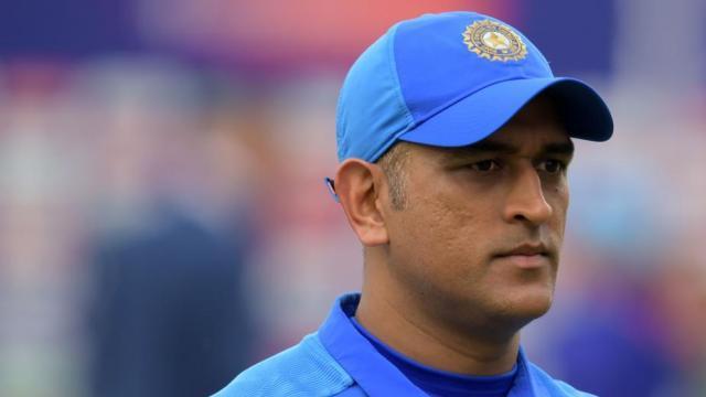 टीम इंडिया के हेड कोच रवि शास्त्री का धोनी पर बड़ा बयान, कहा 'धोनी लेना चाहते थे ब्रेक, लेकिन.... 2