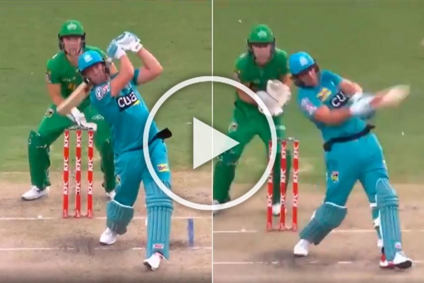 VIDEO : एबी डीविलियर्स ने जड़ा अविश्वसनीय छक्का, खेली 37 गेंदों में 71 रनों की तूफानी पारी 4