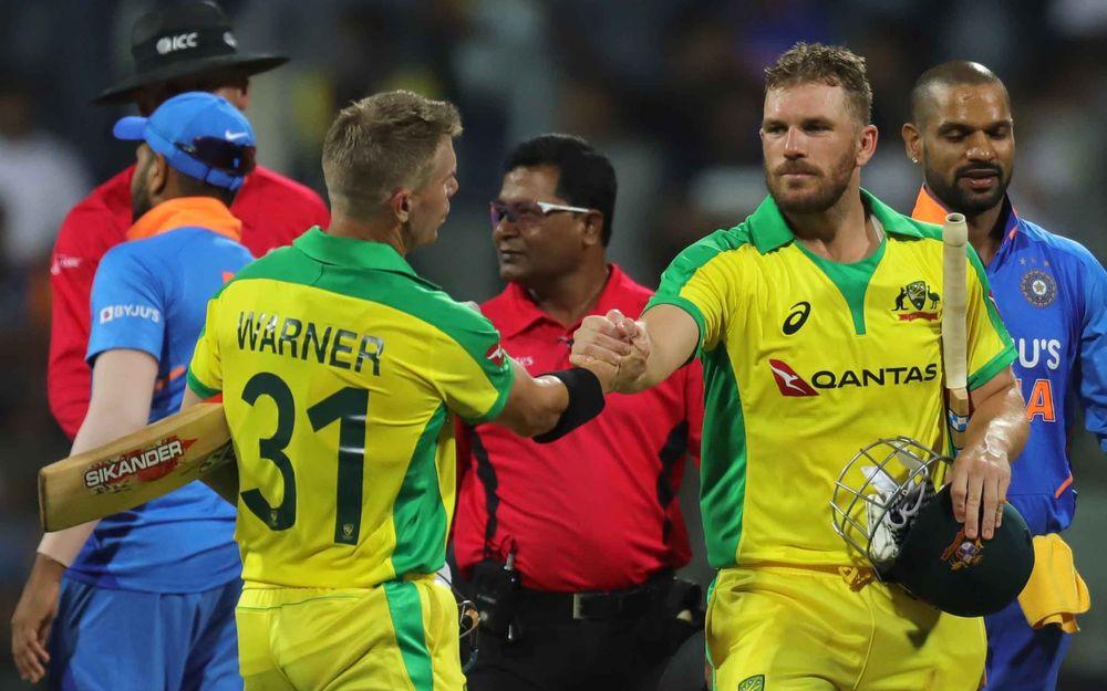IND vs AUS- विकेट न मिलने से नाराज भारतीय कप्तान विराट कोहली अंपायर से भिड़े, देखें वीडियो 2