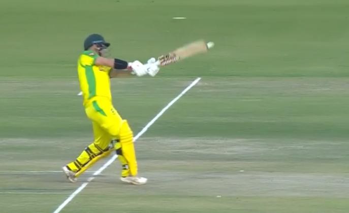 भारतीय टीम ने की गलती लेकिन मैच रेफरी और अंपायर ने नहीं दी कोई सजा, यहाँ देखें वीडियो 3