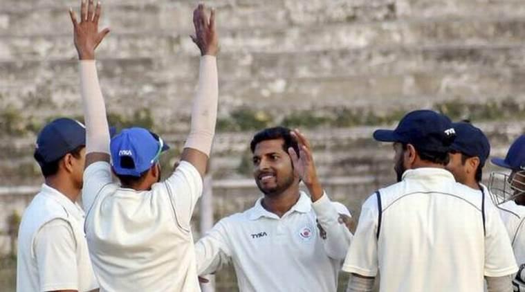 बिहार के क्रिकेटर ने रणजी ट्रॉफी में बनाया रिकॉर्ड बिना रन दिए झटक लिए थे 7 विकेट 3