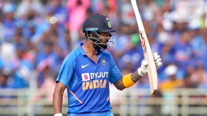 तीसरे टी-20 में केएल राहुल के पास महेंद्र सिंह धोनी को पीछे छोड़ने का मौका 2