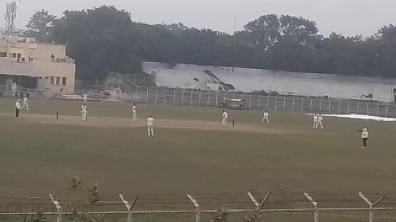 बिहार के क्रिकेटर ने रणजी ट्रॉफी में बनाया रिकॉर्ड बिना रन दिए झटक लिए थे 7 विकेट 1