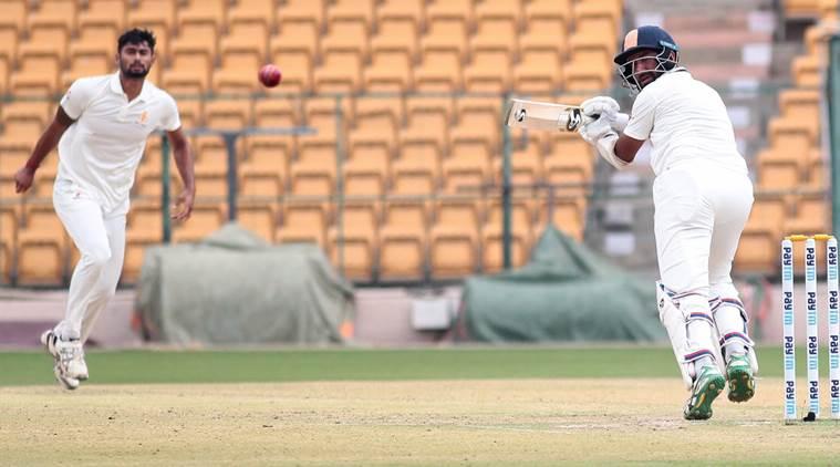 रणजी ट्रॉफी 2019-20: कर्नाटक के खिलाफ शतक बनाते ही सचिन-गावस्कर की श्रेणी में शामिल हुए चेतेश्वर पुजारा 2