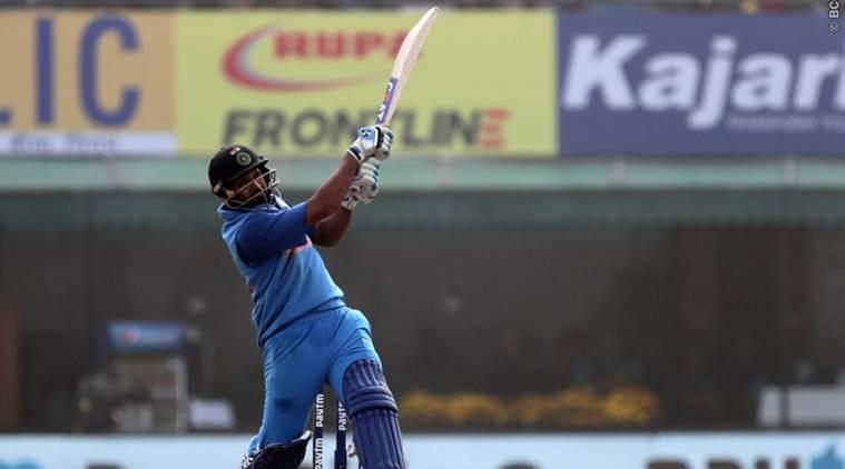 NZ vs IND: तीसरे मैच के दौरान मात्र 5 गेंदों में रोहित शर्मा ने बनाये ताबड़तोड़ 26 रन, वीडियो हुई वायरल 2