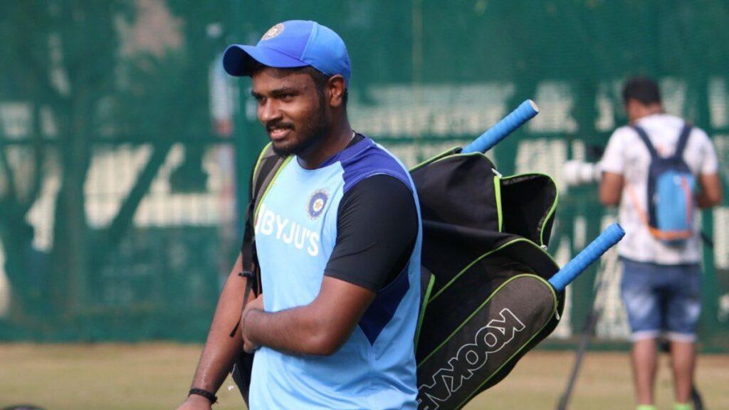 सिर्फ 1 मैच में मौका देकर संजू सैमसन को टीम से बाहर किये जाने पर भड़के फैंस, चयनकर्ताओं को लगाई फटकार 2