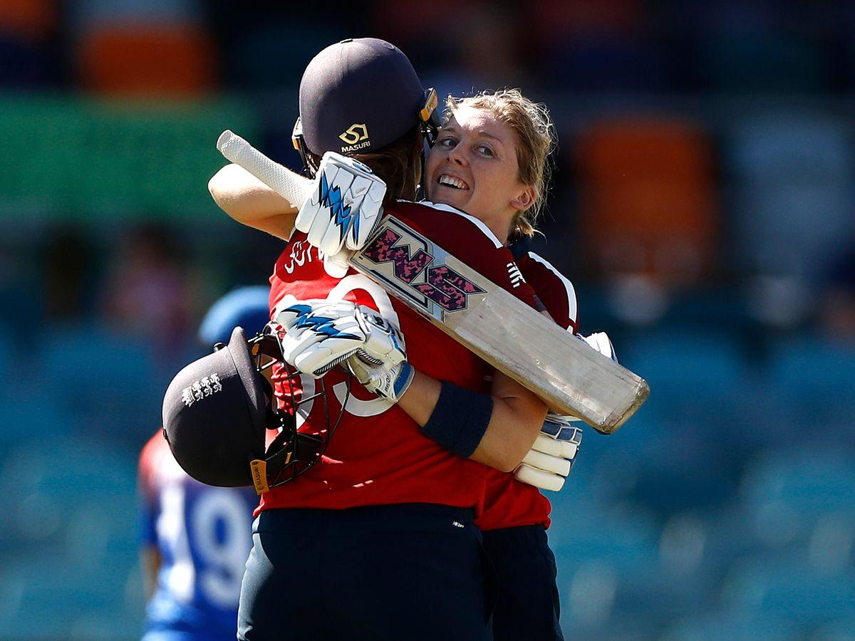आईसीसी महिला टी20- इंग्लैंड ने 7 रन पर खो दिए थे 2 विकेट, फिर आया इस खिलाड़ी का तूफान, बना डाला सैकड़ा 2