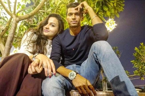 नवदीप सैनी ने वैलेंटाइन पर फैंस से कराया गर्लफ्रेंड का परिचय, देखें कौन है इस युवा खिलाड़ी का प्यार 14