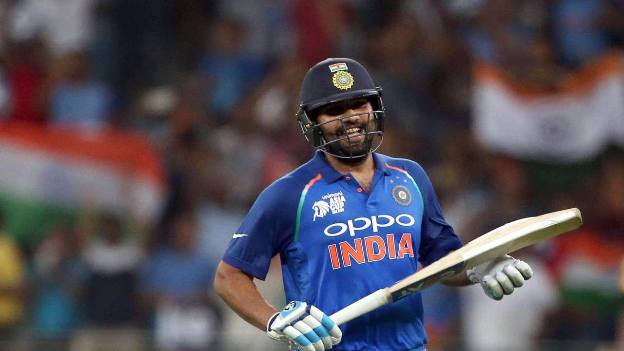 """""""विश्व कप जीत का जश्न मनाने सड़को पर न निकले, टूर्नामेंट अभी दूर है"""" : रोहित शर्मा 1"""