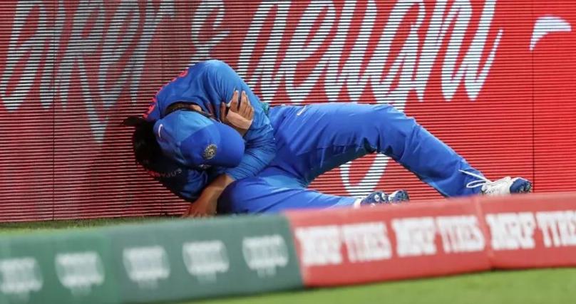INDvAUS : भारतीय टीम को लगा बड़ा झटका, स्मृति मंधाना हुई गंभीर रूप से चोटिल 1