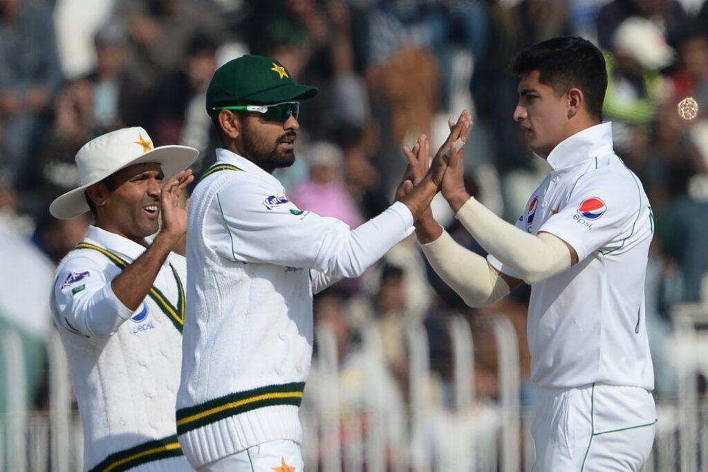 पाकिस्तान के नसीम शाह बने टेस्ट क्रिकेट में हैट्रिक लेने वाले सबसे युवा गेंदबाज, ट्विटर पर हो रही है तारीफ 2