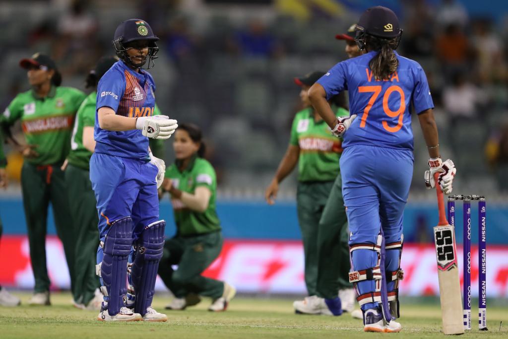 आईसीसी महिला टी-20 विश्व कप : भारत ने बांग्लादेश को 18 रन से हराया, जीत में चमकी ये 2 खिलाड़ी 11