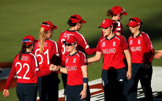 आईसीसी महिला टी20- इंग्लैंड ने 7 रन पर खो दिए थे 2 विकेट, फिर आया इस खिलाड़ी का तूफान, बना डाला सैकड़ा 1