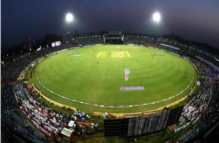आईपीएल में भारत के इन 3 बल्लेबाजों का किसी एक मैदान में रहा है 100 से ज्यादा का औसत 4