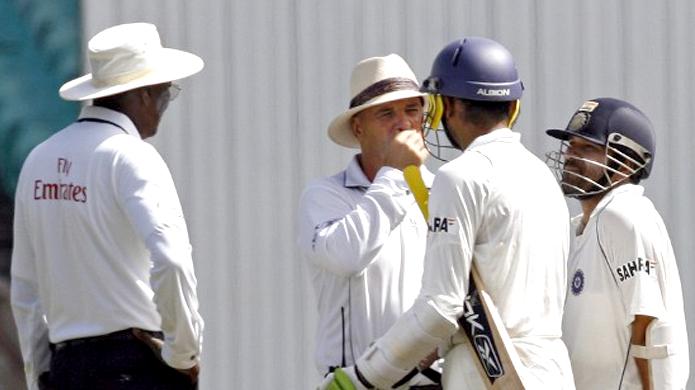 3 अंपायर जिन्होंने भारतीय टीम के खिलाफ दिए कई विवादित फैसले 6