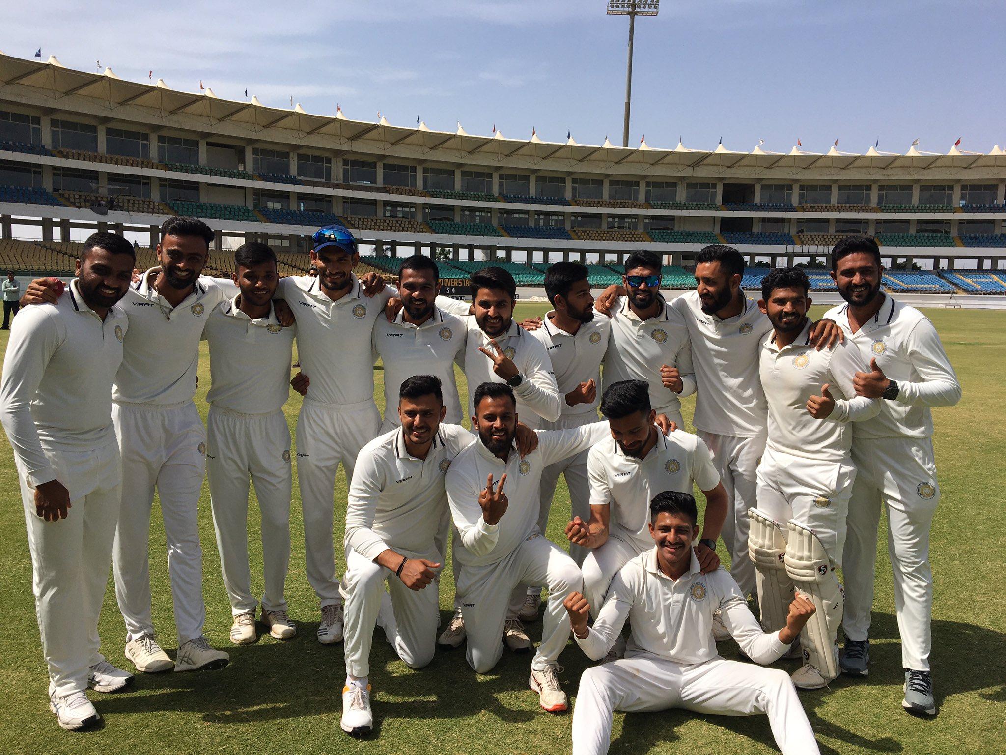 रणजी ट्रॉफी: पहली पारी में बढ़त के बाद ड्रॉ रहे फाइनल में सौराष्ट्र बनी विजेता 1