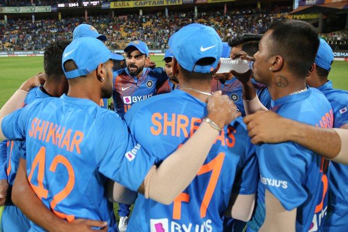 साउथ अफ्रीका के खिलाफ टीम में इस खिलाड़ी को न देखकर भारतीय प्रशंसक हुए निराश 4