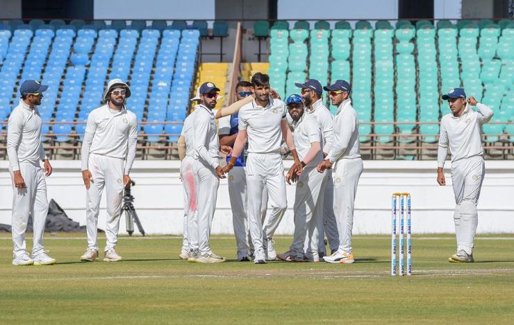 रणजी ट्रॉफी: पहली पारी में बढ़त के बाद ड्रॉ रहे फाइनल में सौराष्ट्र बनी विजेता 3